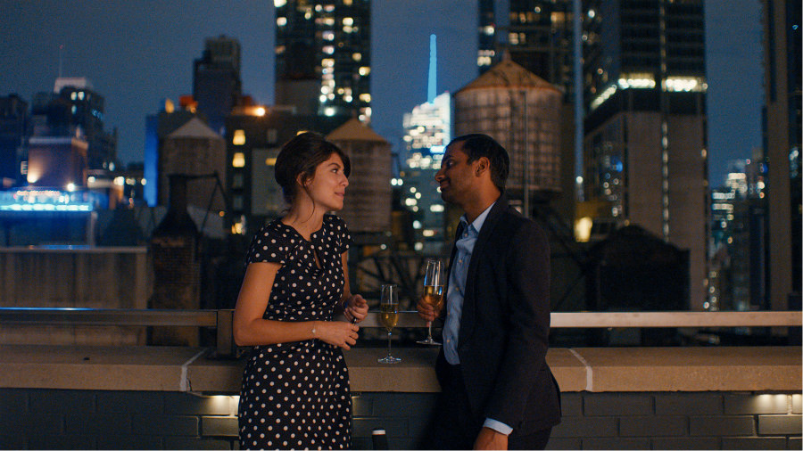 Alessandra Mastronardi as Francesca and Aziz Ansari as Dev in Master of None