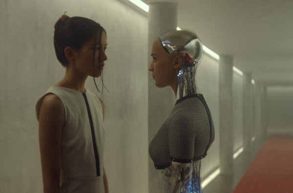 Alicia Vikander and Sonoya Mizuno in Ex Machina