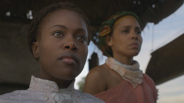 DeWanda Wise and Amirah Vann in Underground