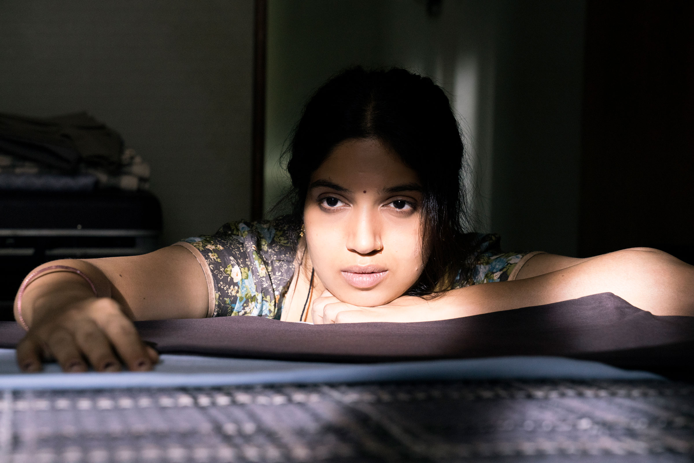Bhumi Pednekar, an Indian woman, looks pretty disinterested at a wall as Sudha in Lust Stories