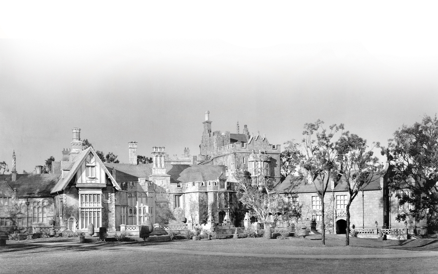 Black and white image of Manderley Mansion