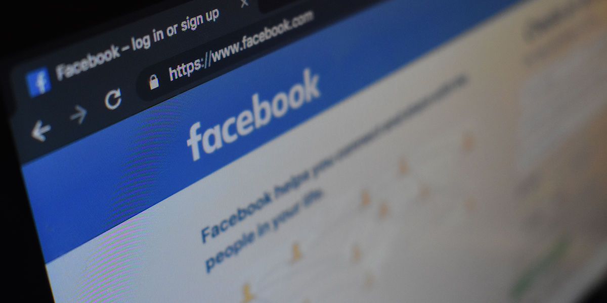 Facebook sign up screen on desktop computer
