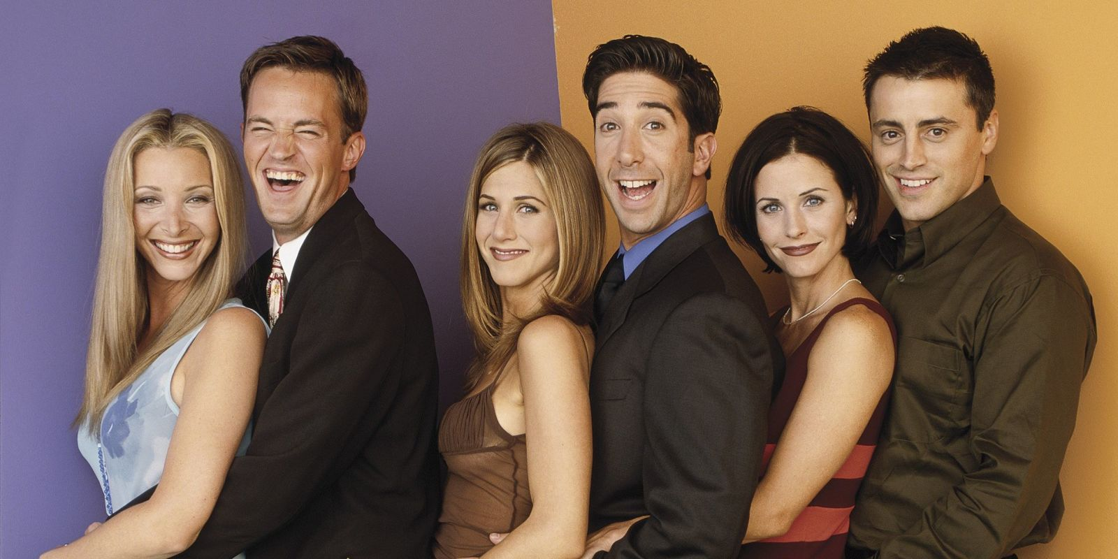 Lisa Kudrow as Phoebe, Matthew Perry as Chandler, Jennifer Aniston as Rachel, David Schwimmer as Ross, Courteney Cox as Monica, and Matt LeBlanc as Joey in Friends