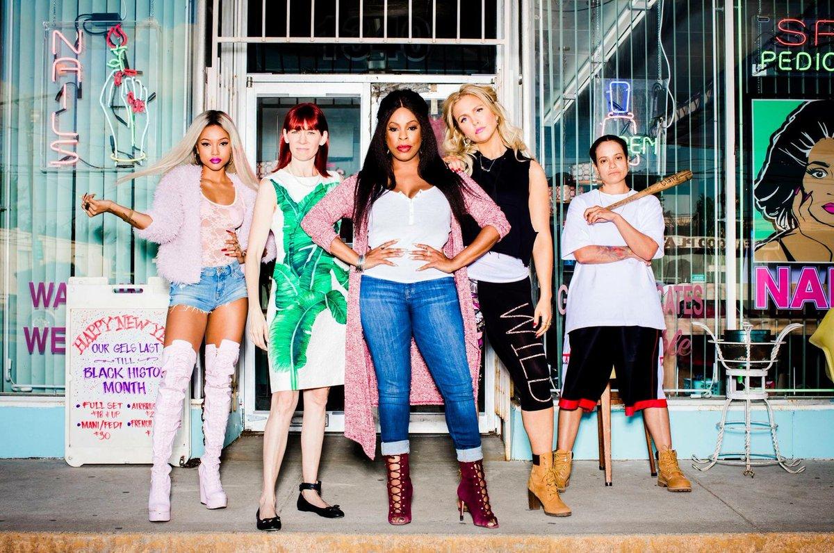 Karreuche Tran as Virginia, Carrie Preston as Polly, Niecy Nash as Desna Simms, Jenn Lyon as Jennifer, and Judy Reyes as Quiet Ann in Claws