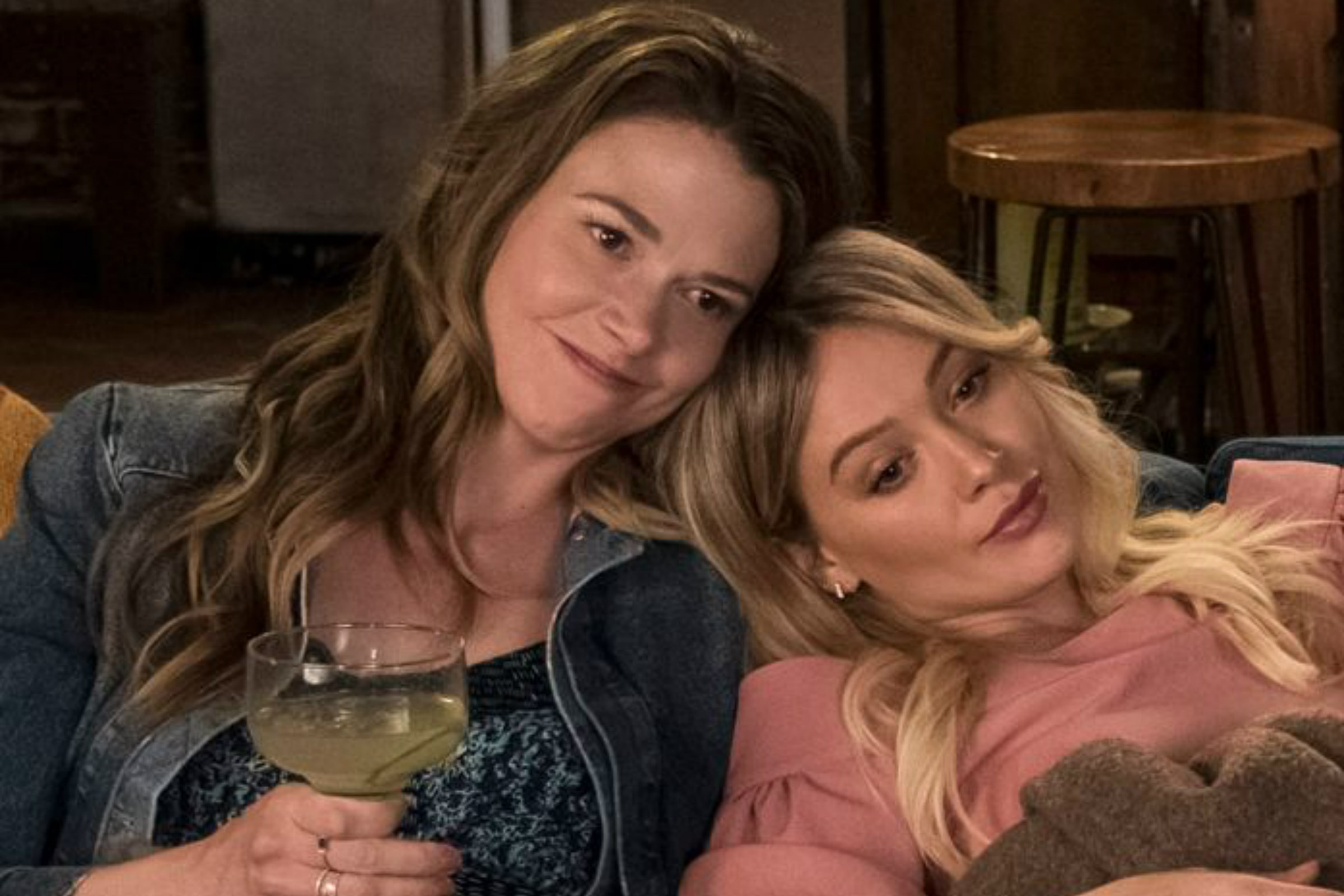 Sutton Foster as Liza Miller and Hilary Duff as Kelsey Peters in Younger