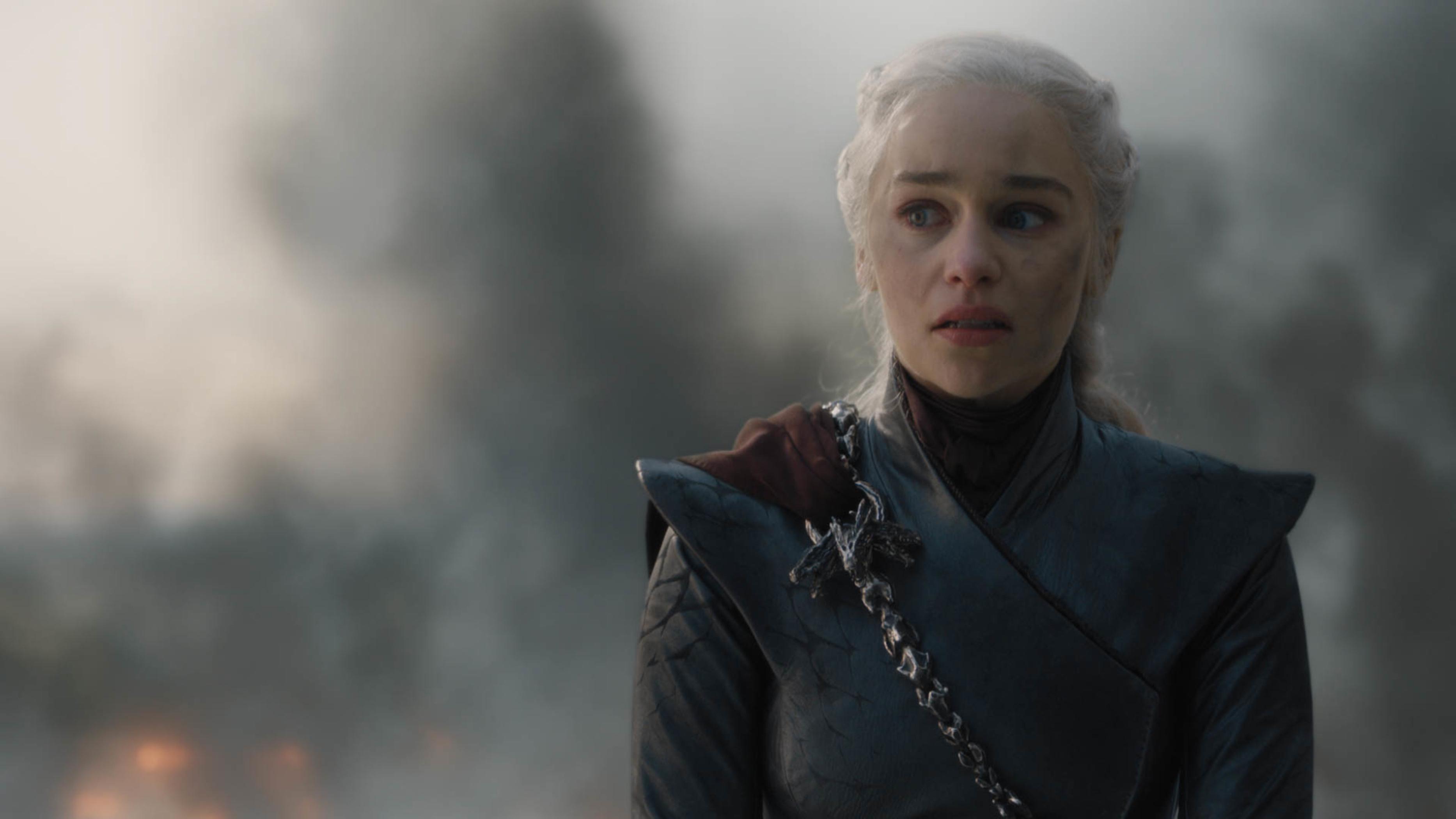 Daenerys Targaryen stares at King's Landing