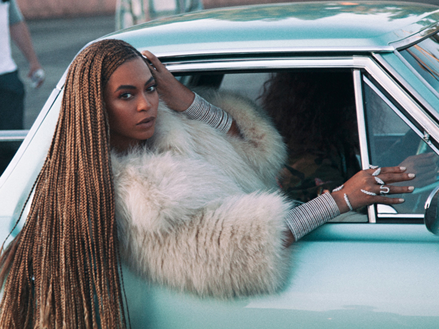 beyonc atilde copy is fighting the patriarchy through pop culture bitch media beyoncatildecopy brought me to bad bitchdom i hate that two idols might be beefing but last week bell once again challenged bey s feminism in an essay called ldquo