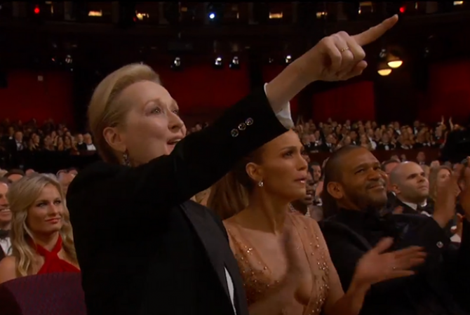 meryl streep and jennifer lopez applauding