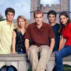 Joshua Jackson, Michelle Williams, James Van Der Beek, Kerr Smith, and Katie Holmes in Dawson's Creek