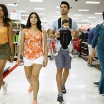 Andrea Navedo, Gina Rodriguez, Justin Baldoni, and Ivonne Coll in Jane the Virgin