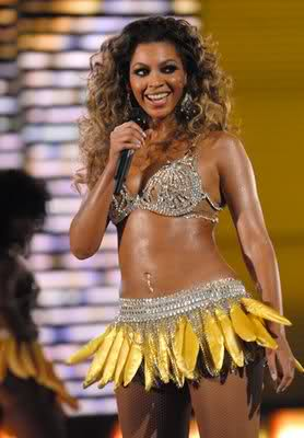 beyonce wearing a skirt made from fake bananas