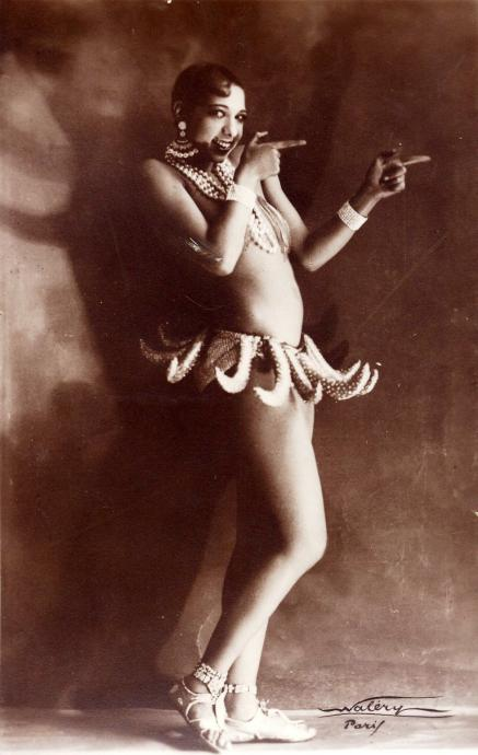 josephine baker standing in a skirt made out of bananas