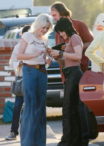 ten_stewart_and_dakota_fanning_working_girls.jpg